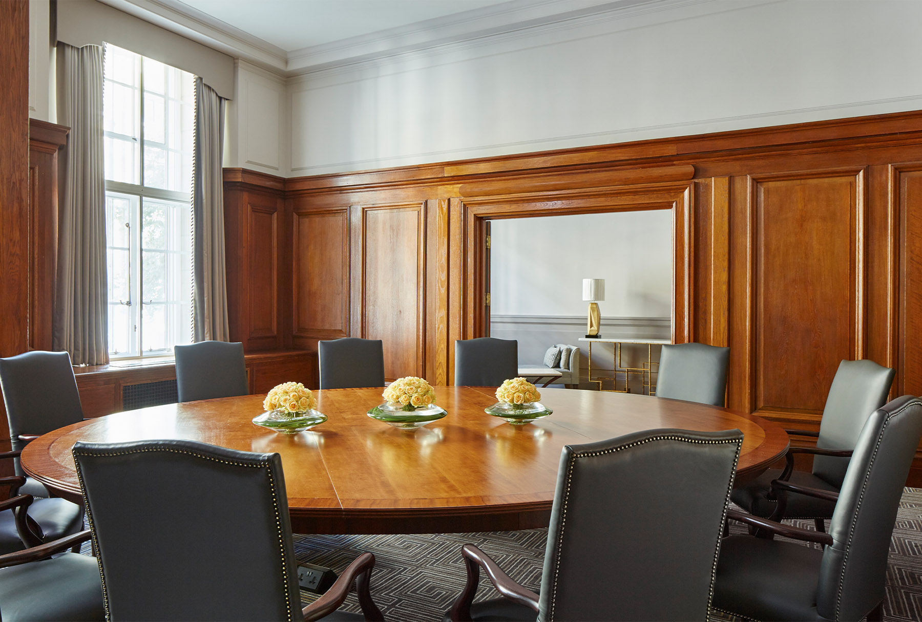mh-lonch-boardroom3